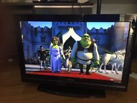 """Toshiba 32"""" HD Ready TV in excellent condition"""