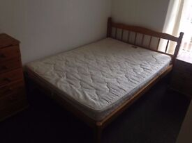 Double and single rooms all bills included 50- 65 per week Hilda st close to USW & train station