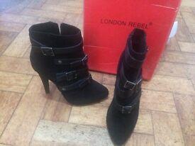 Black London Rebel boots