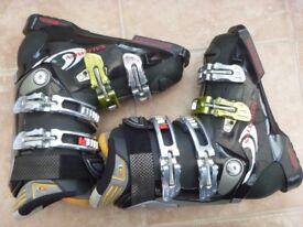 For Sale - Ladies Salomon X Wave 8.0 Ski Boots, size 5.5, Euro 24.5