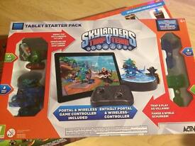 BNIB SKYLANDERS TRAP TEAM & RACE SET