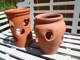 "TWO LOVELY TERRACOTTA STRAWBERRY GROWING POTS IDEAL FRUIT PLANTS PATIO GARDEN 12"" & 11"" VERY GOOD"