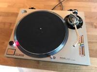 Technics SL 1200 Mk2 Turntable