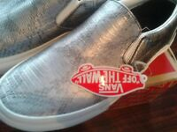 VANS - Brand new boxed/tags ,Silver snake classic slip on, Men/womens cost £57 quick sale £29 Size 7