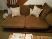 Brown corner soffa