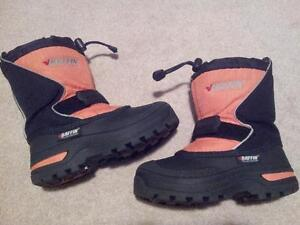 BAFFIN WINTER BOOTS - SIZE 12