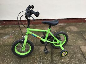 CHILDS BIKE BICYCLE GREEN