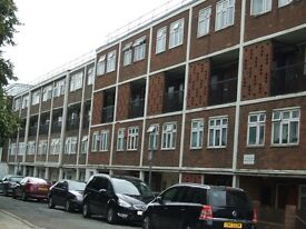 NICE 3 BED PLUS 1 SEPARATE LIVING MAISONETTE, POPLAR, CANARY WHARF, LONDON E14