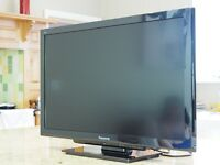 "AS NEW Panasonic Viera TX-L32C4B 32"" HD LCD TV with Freeview HD Stand and remote"