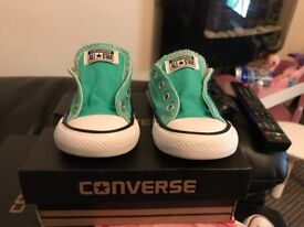 Teal converse size 5 (21)