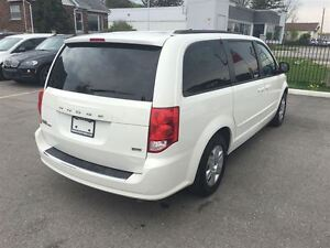 2012 Dodge Grand Caravan SXT Great Family Vehicle !!!!!! London Ontario image 5