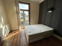 Spacious LARGE KING SIZE ROOM AVAILABLE IN ILFORD IG1 3HH