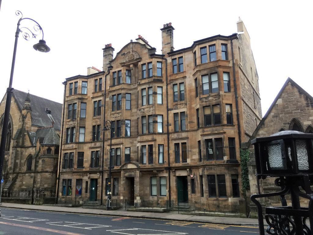 4 bedroom flat in University Avenue, West End, Glasgow ...