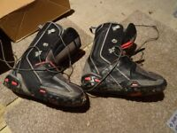 Salomon Shade 150 Snowboard with size 10 boots and Salomon Bindings