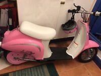 Scooter- Razor Bella Ride On