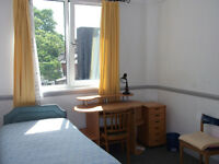NO AGENCY FEES! - Large single room to rent in nice modern flat central to Westbourne-Bournemouth