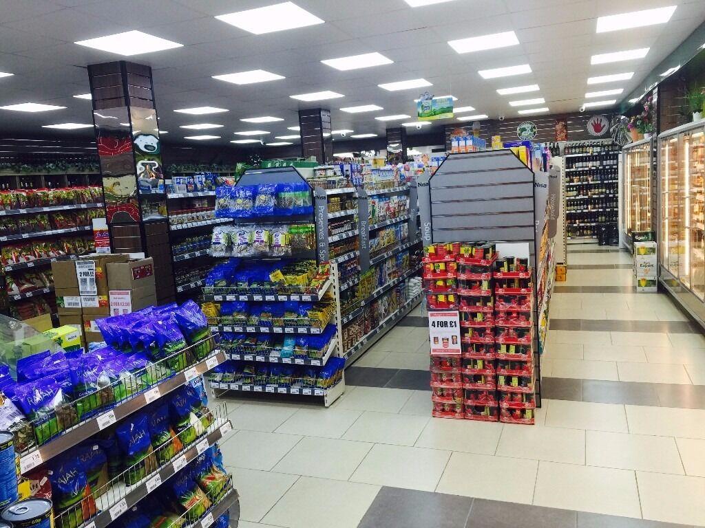 2 shop floor assistants required 1 assistant manager in 2 shop floor assistants required 1 assistant manager