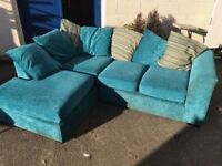 STUNNING LUXURIOUS TEALE CORNER SOFA PLUS SCATTER CUSHIONS