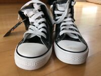 Brand new converse inspired size 7 shoes