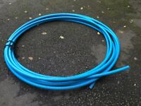 Brand new blue 30mm water polypipe approximately 33.60 meters.