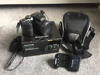 Fujifilm S6800 camera with 32gb memory card