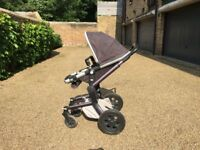 Joolz Stroller, car seat, carry cot, nappy bag, foot muff & sheepskin Liner FREE