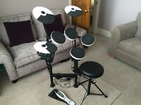 Roland TD-4KP electronic drum kit - with stool. Mint condition.