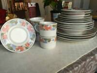 Royal China Dinner Set 20-piece