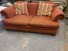 NICE FABRIC SOFA IN NICE CONDITION WITH SMALL CUSHION VERY COMFY FREE DELIVER
