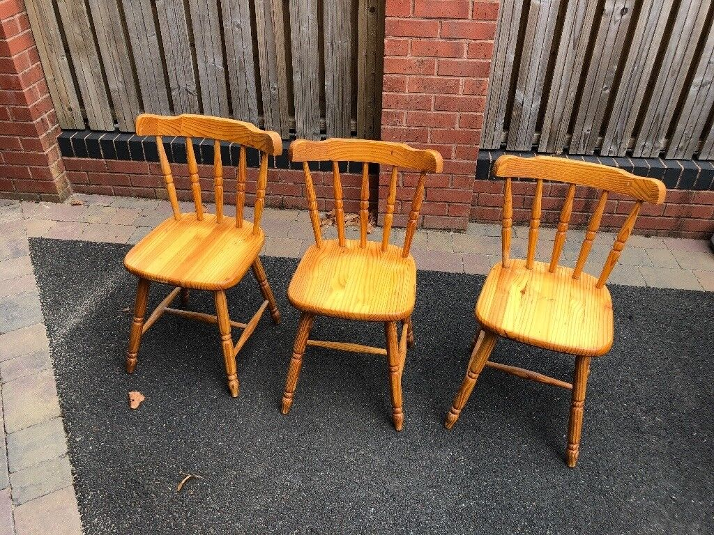 FREE Dining Room Chairs Ideal For Shabby Chic DIY Project