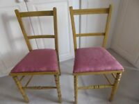 Pair of chairs in light wood with upholstered seats