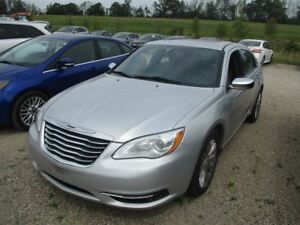 2012 Chrysler 200 LIMITED LEATHER! SUNROOF! HEATED SEATS! REMOTE
