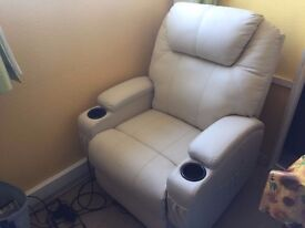 Reclinging leather chair
