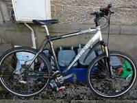 Trek 4300 21 speed large mountain bike