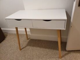 White desk/ table