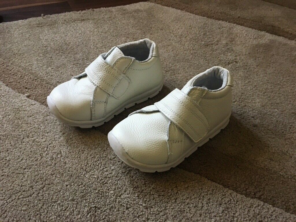 Shoes size 7 (euro size 24) Ivory . brand new very soft, ideal for 1st time walker ONLY £6