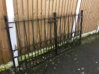 Set Of Arrow Head Solid Steel Driveway Gates / Double Gates / Can Deliver - Ring Malc