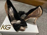 Kurt Geiger UK6 peach dolly heels