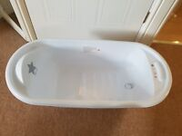 Baby bath in exellent condition. Hardly used