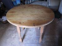 """Circular Kitchen/Dining Table - Pine - 45"""" diameter £30"""
