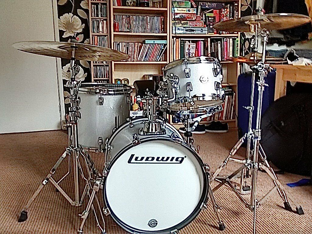 ludwig breakbeats by questlove silver sparkle 4pc shell set in brimington derbyshire gumtree. Black Bedroom Furniture Sets. Home Design Ideas