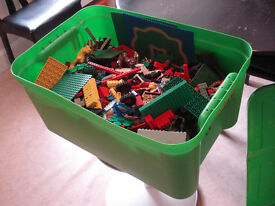 Big Box of LEGO. About 12 Kg of clean original LEGO pieces.