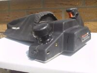 Electric Planer: Black and Decker Plus – SR600
