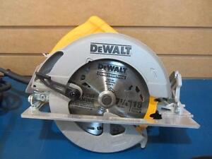 Scie Circulaire de marque DEWALT