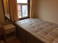 Topl floor STUDIO FLAT HOUNSLOW CENTRAL part DSS accepted