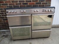 Diplomat range cooker and extractor