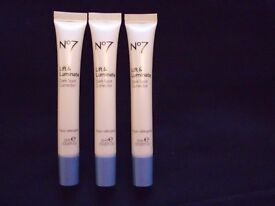 Boots No7 Lift & Luminate Dark Spot Corrector 3 in total