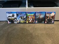 PS4 500GB comes with Blue Controller and 5 games
