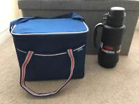 Thermos 1.8l flask & family polar cooler bag