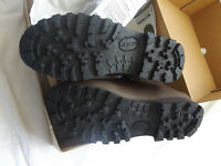 AS NEW! Altberg Defender Army Issue Boots Size 7 Male Medium - RRP £125.00